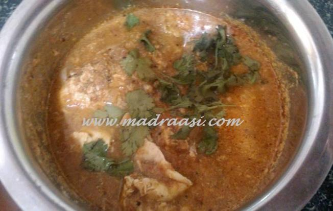 Egg curry/Mutta kuzhambu