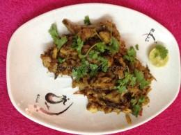 Chicken pichipottadhu / Chicken Burji