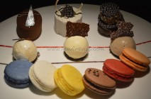 6 varieties of Macroons