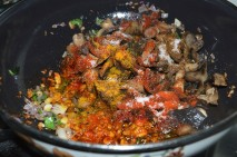 With mushroom and spice powders