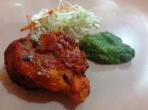 Tandoori chicken tikka with Mint chutney and salad