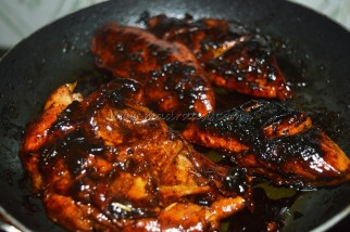 Getting dried with honey and marinate chicken