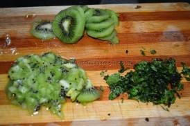 Kiwi and mint leavesfinely chopped