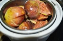 Fig fruits about to ground