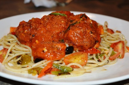 Spaghetti with Saucy Meat balls