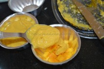 Pouring the mango mixture