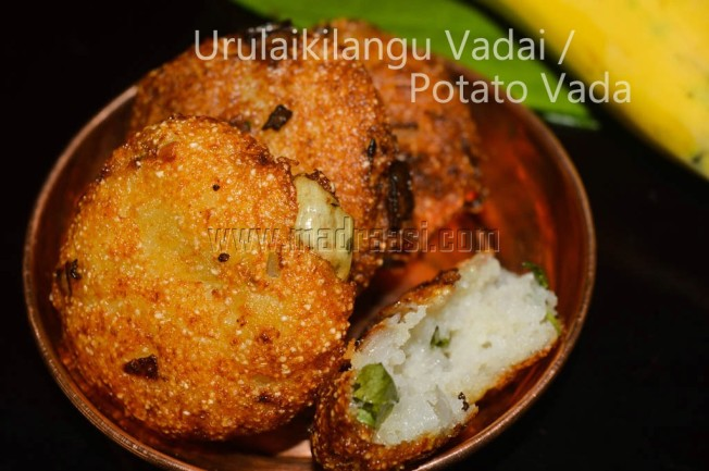 Potato Fritters / Urulaikilangu Vadai