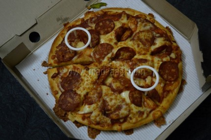 Pizza hut- Triple Treat Box Review