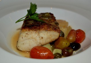 Branzillo alla livornese (marinated seabass, toasted in cherry