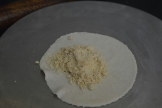 sweet somas, somas recipe, how to make somas, karanji recipe, madraasi, immadraasi, madraasi recipes, somas recipe in tamil, somas seimurai, somas seivadhu eppadi, karanji making, deepavali sweet recipe, vinayagar chaturthi recipe