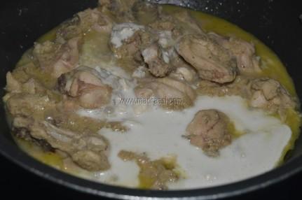 White chicken gravy recipe, chicken in white gravy, easy chicken gravy recipe, white chicken gravy image, white chicken gravy picture, chicken gravy picture, chicken gravy image, Indian chicken gravy recipe, Indian chicken gravy image, Indian chicken gravy picture, chicken recipe, tamil nadu chicken recipe, Indian chicken recipe, madraasi recipe, madraasi chicken gravy recipe, madraasi chicken recipe, madrasi food image, madrasi food picture, chicken gravy recipe,